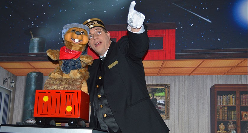 Steve Woyce Takes Audiences On A Magical Train Ride